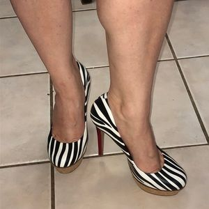 Jessica Simpson high heels zebra stripe red heel